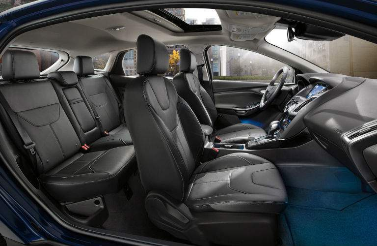 2017 ford focus two rows seating interior cabin legroom headroom cargo