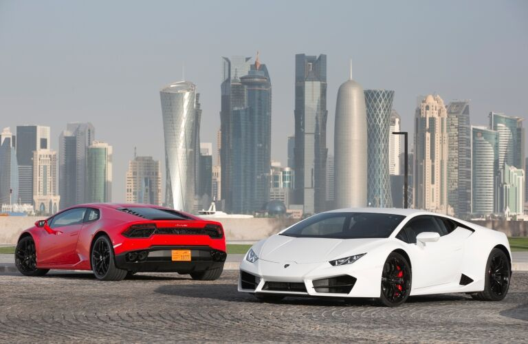 Lamborghini Huracan Coupe RWD red and white side by side