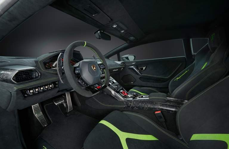 Lamborghini Huracan Performante interior overview