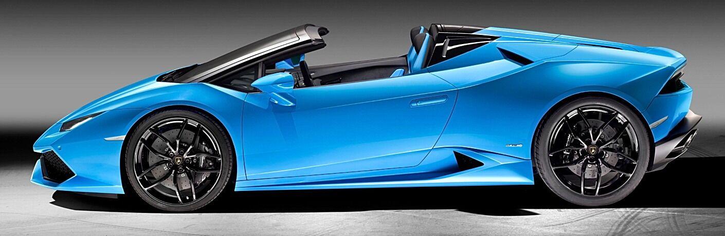 Lamborghini Huracan Spyder blue side view top down
