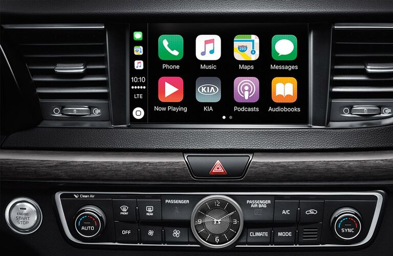 Apple CarPlay screen shown in the 2019 Kia Cadenza