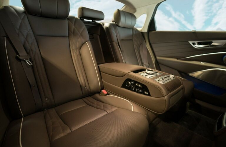 Rear seats in the 2019 Kia K900