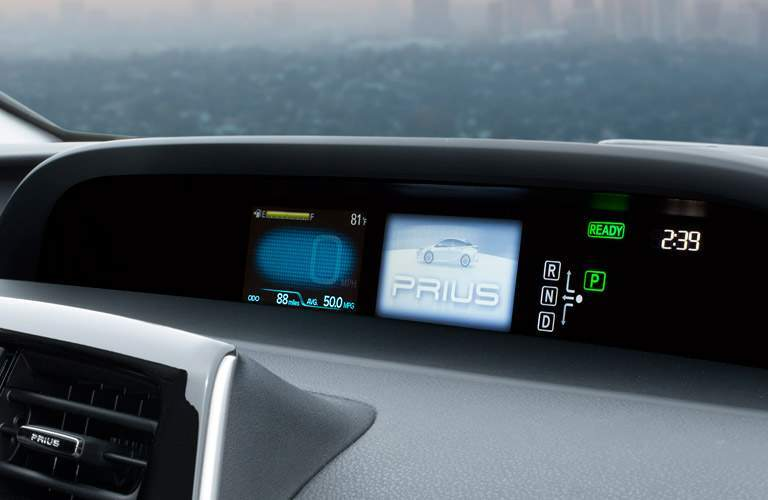 2017 Toyota Prius tech and connectivity