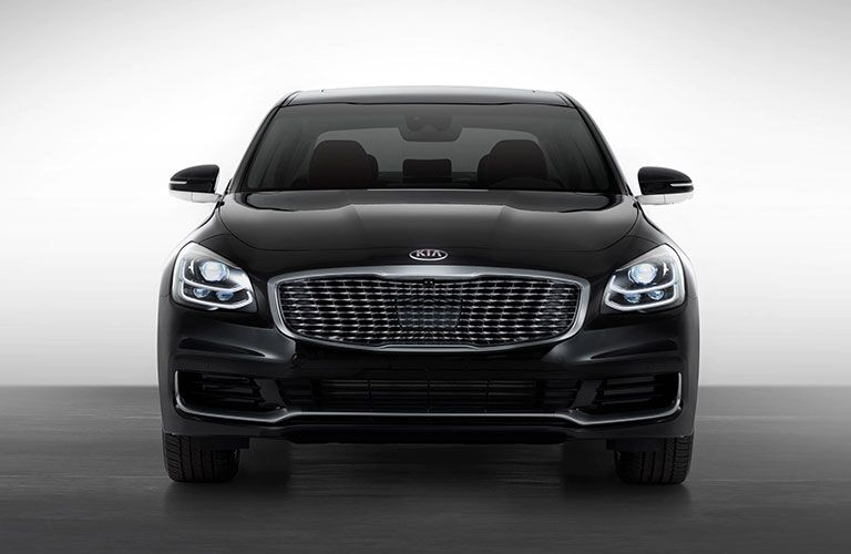 Black 2020 Kia K900 Front Exterior and Grille