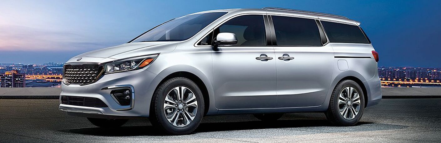 2020 Kia Sedona side profile