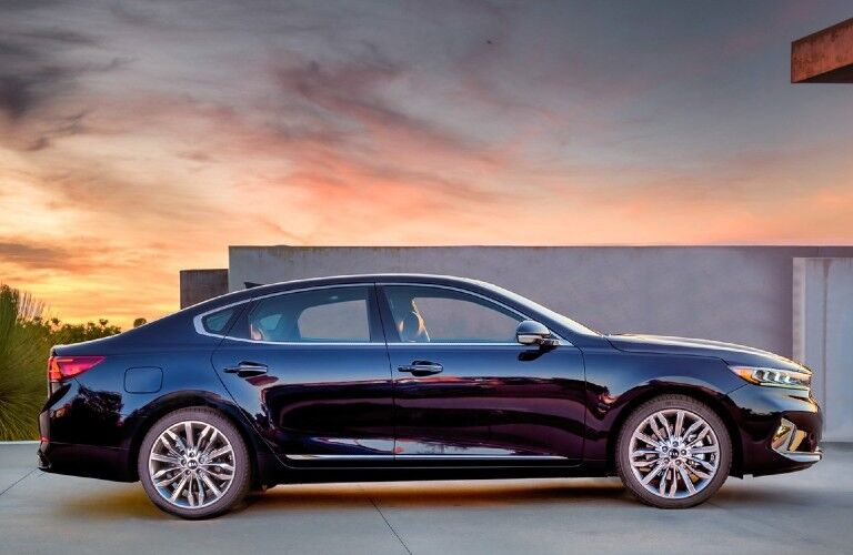 2020 Kia Cadenza side profile