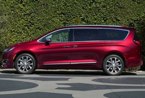 2017 chrysler pacifica exterior red color side view wheels
