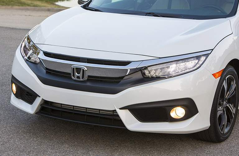 2017 honda civic sedan grille design in white