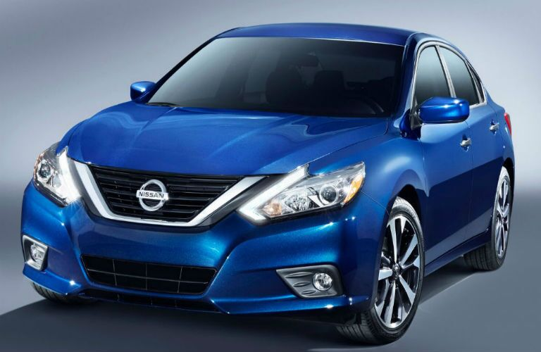 2016 Nissan Altima 2 5 Vs 2 5 S