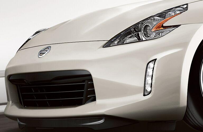 2019 Nissan 370Z front-end close up