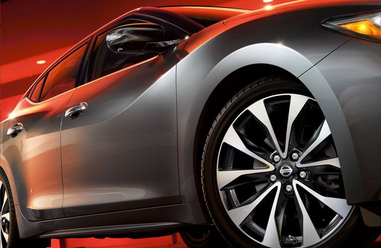 2020 NIssan Maxima side-view close-up