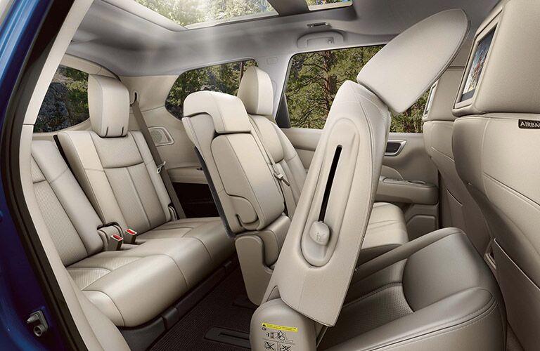 2020 Nissan Pathfinder folding seats