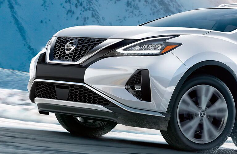 2021 Nissan Rogue front-end close up