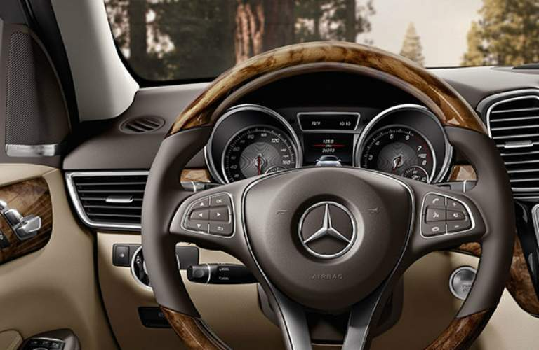 wood steering wheel on GLE SUV
