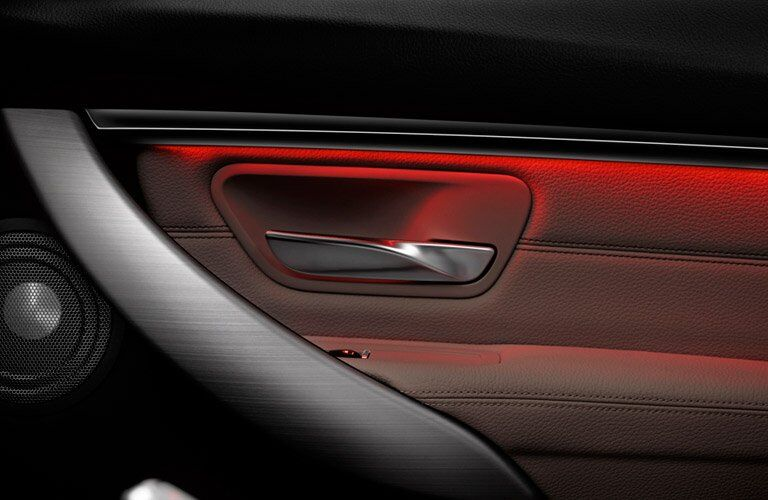 2017 BMW 3 Series ambient lighting