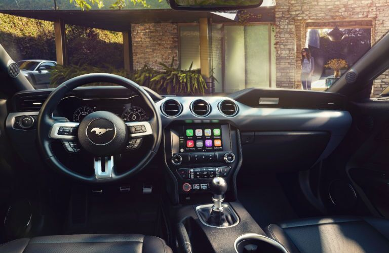 2017 Ford Mustang Apple CarPlay