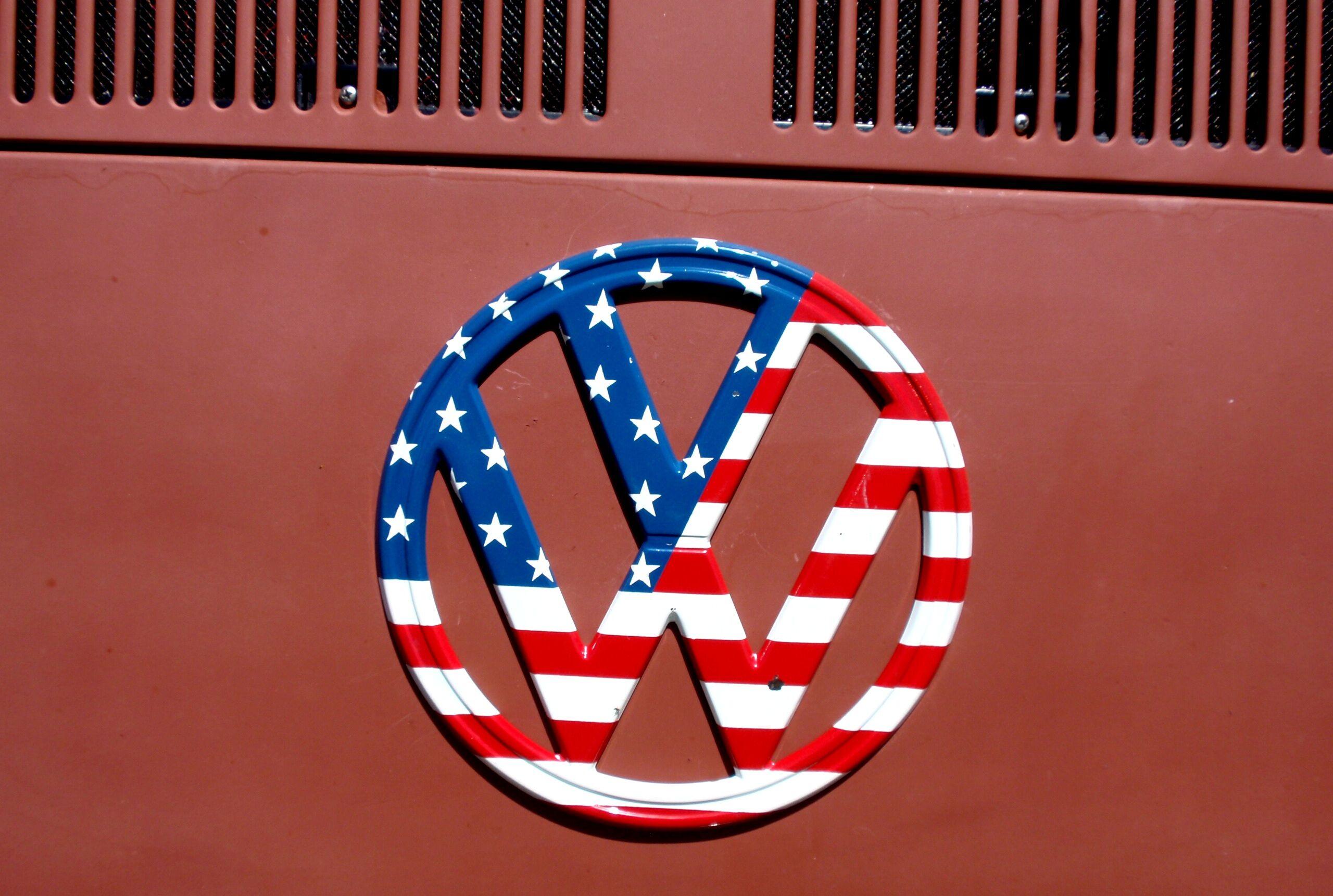 Peace Love America VW