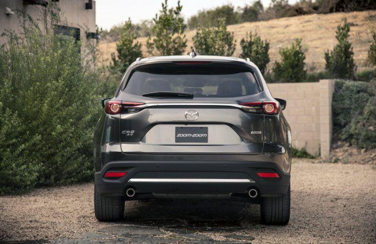 rear bumper design on the 2016 mazda cx-9
