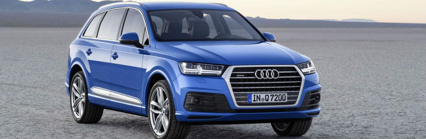 Blue 2018 Audi Q7 parked