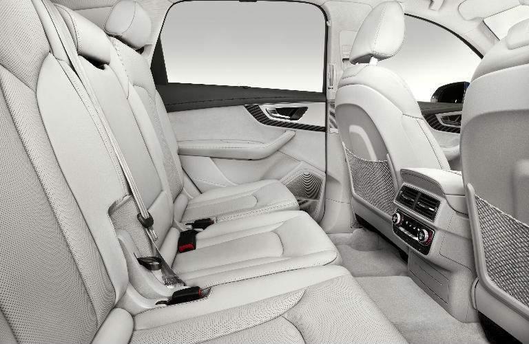 rear seats of 2018 Audi Q7