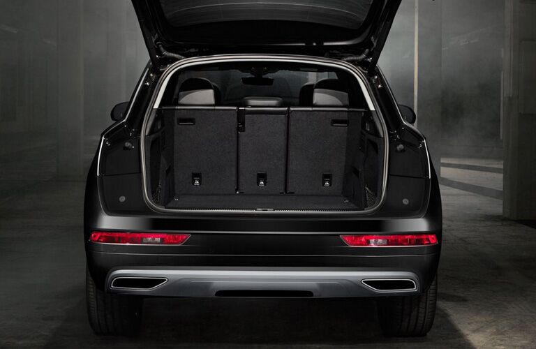 Rear liftgate of 2019 Audi Q5 opened