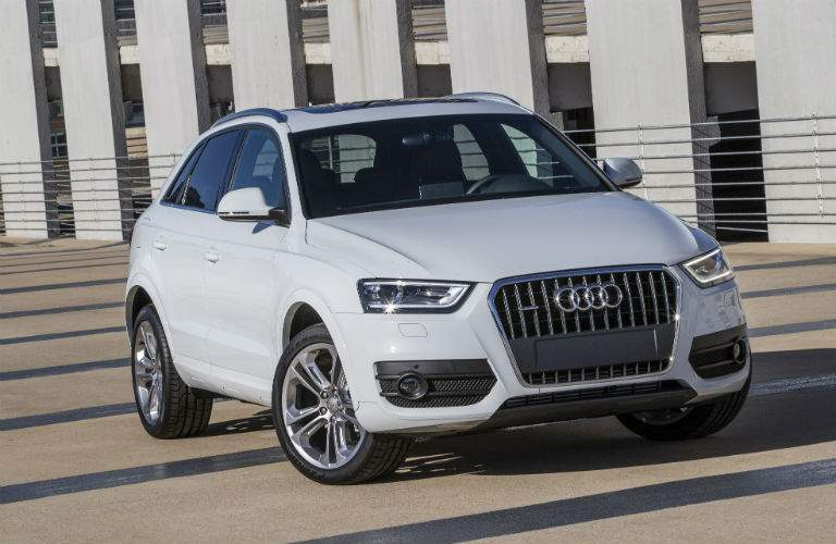 2018 Audi Q3 exterior Shot with Grille Fascia and Headlights_o