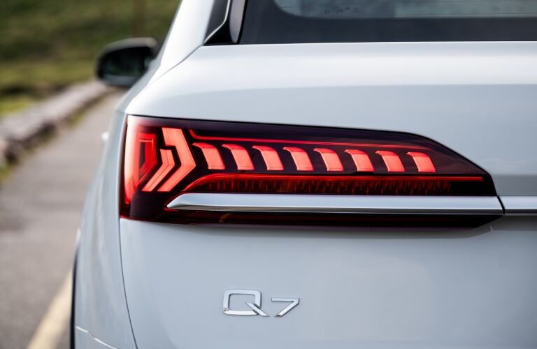 2020 Q7 taillight showcase