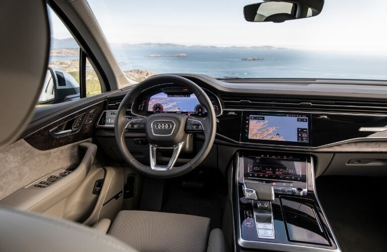 2020 Q7 cockpit showcase
