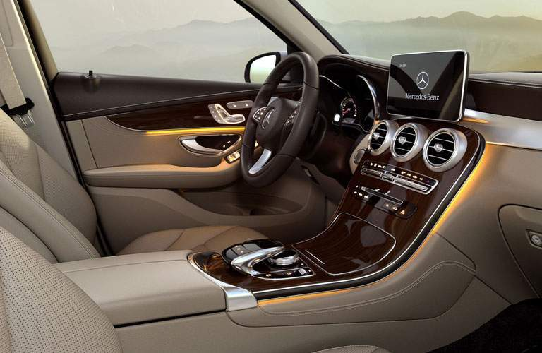 driver side, steering wheel and infotainment system of the 2018 Mercedes-Benz GLC