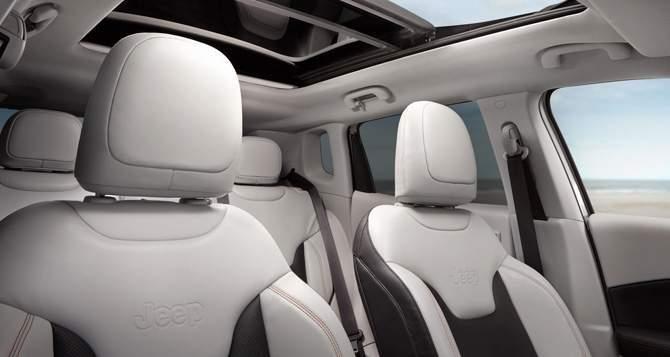 2018 Jeep Compass Seats