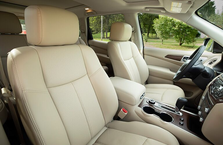 2019 Nissan Pathfinder beige interior