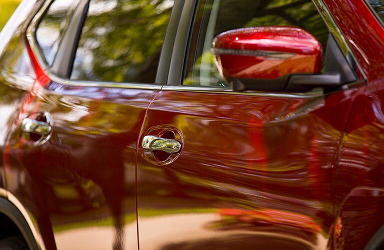 2019 Nissan Rogue side door and mirror