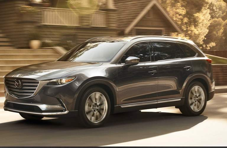 2018 mazda cx-9 full view driving