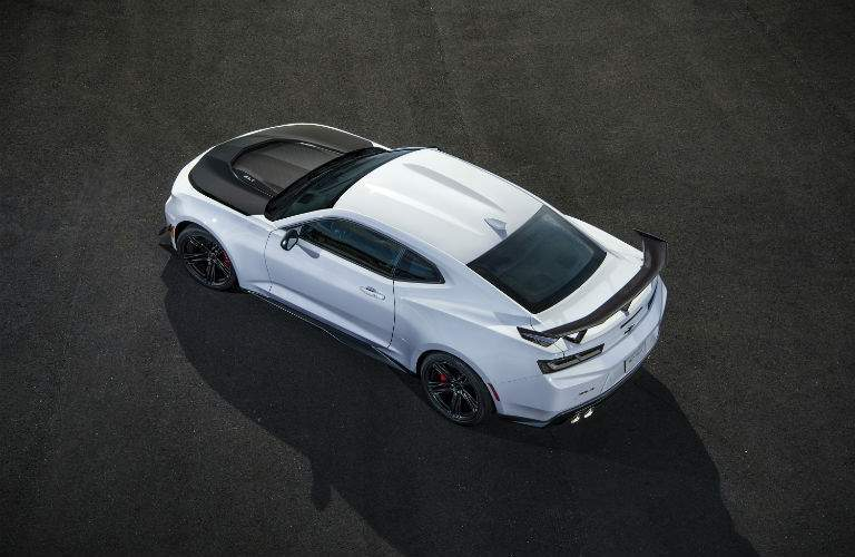 isometric view of 2018 chevy camaro from top in white color with black hood
