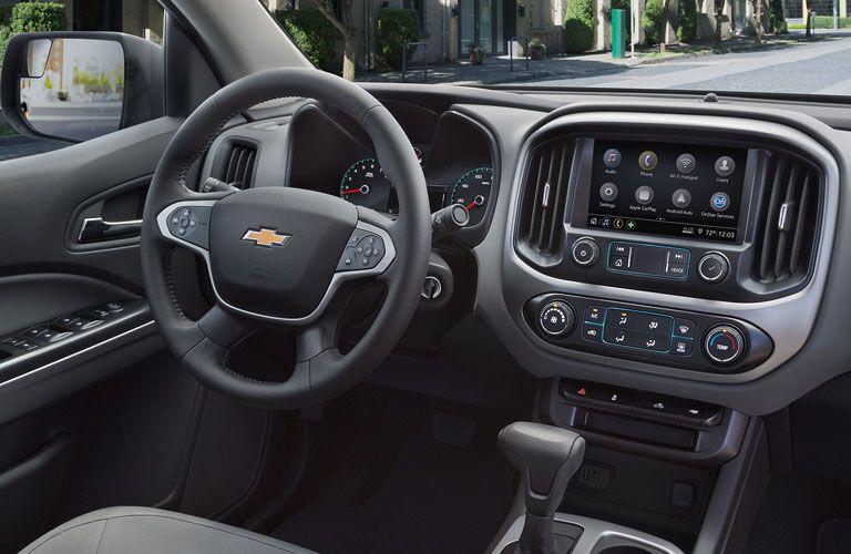 steering wheel and controls of 2019 colorado