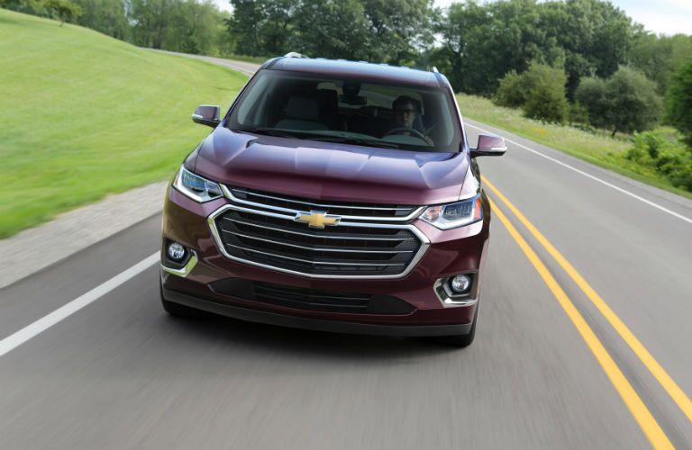 A head-on photo of the 2018 Chevy Traverse.