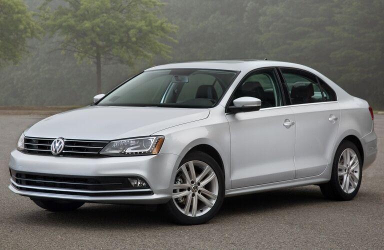 2015 Volkswagen Jetta white side view