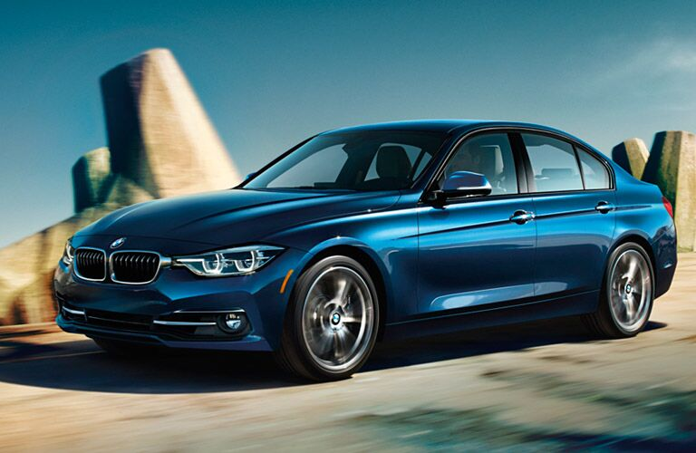 2018 BMW 3 Series blue side view