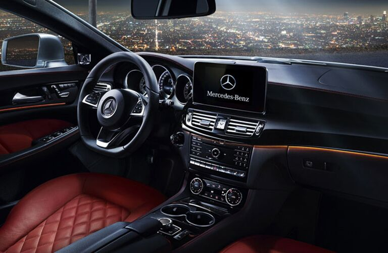 2018 Mercedes-Benz CLS steering wheel and infotainment screen