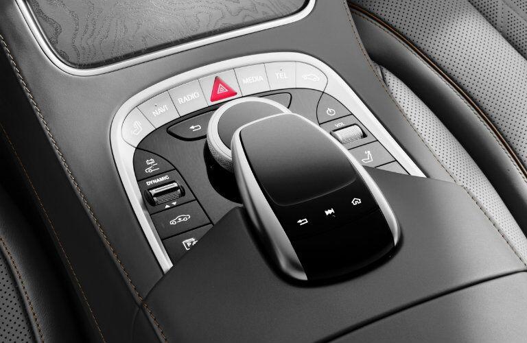 2018 Mercedes-Benz S-Class center console