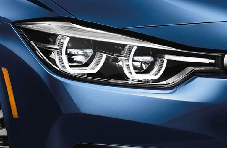2018 BMW 3 Series blue headlight