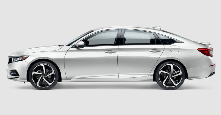 2019 Honda Accord Sport white side view