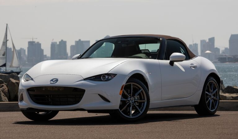2019 Mazda MX-5 Miata white side view