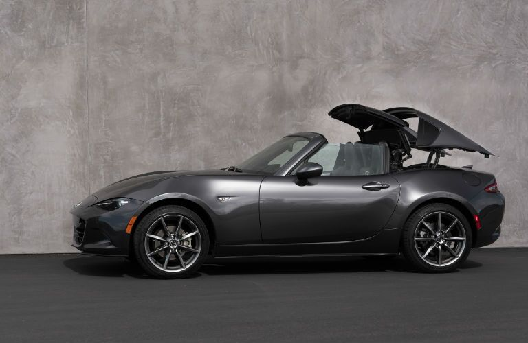 2018 Mazda MX-5 Miata RF folding back the top