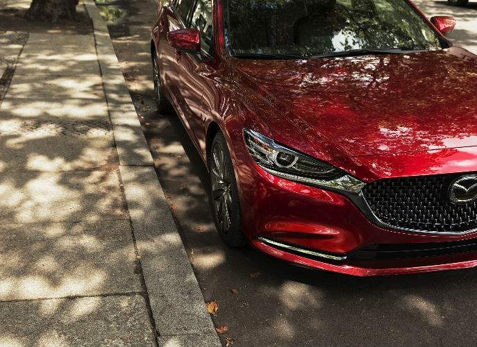 Grille and Front End View of the 2018 Mazda6
