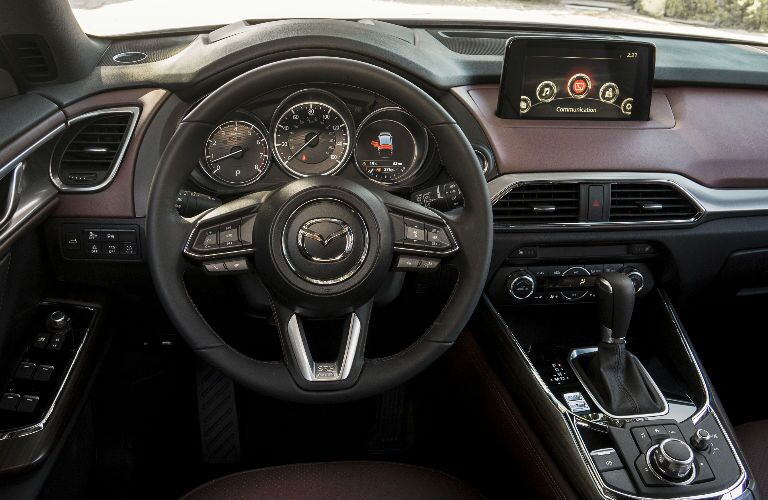 Steering wheel and dashboard in 2016 Mazda CX-9
