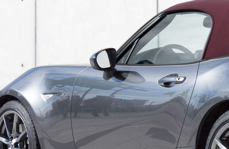 Side View of the 2018 Mazda MX-5 Miata