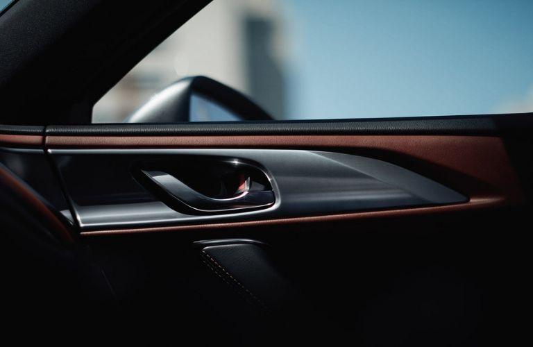 Interior door handle in 2019 Mazda CX-9