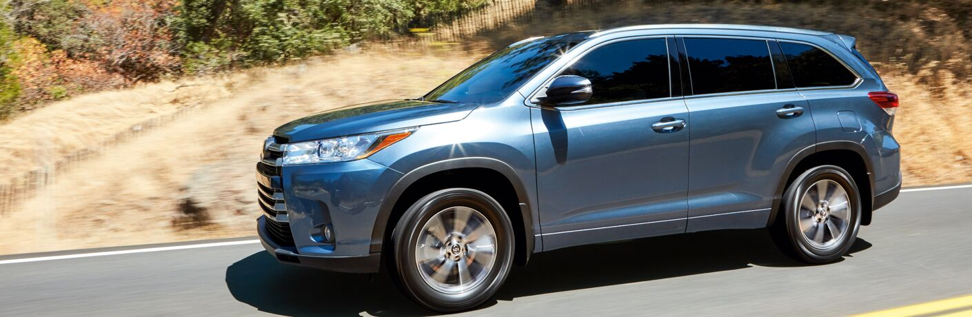 Side View of Blue 2018 Toyota Highlander