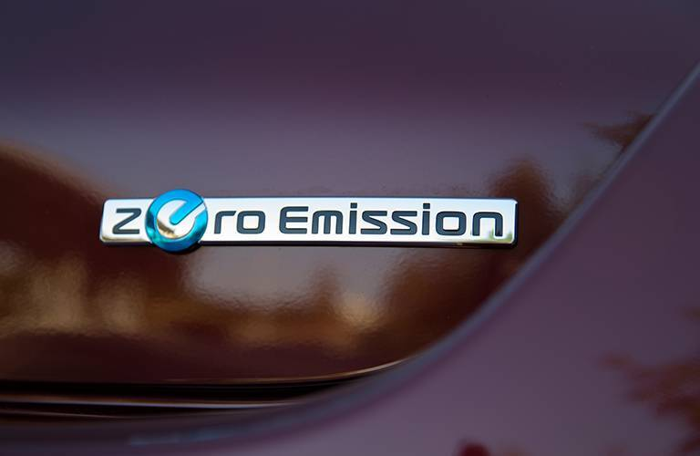 2016 Nissan LEAF | Kansas City, MO zero emissions badging exterior
